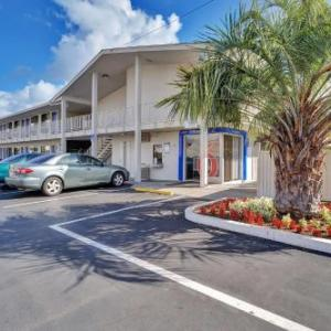 Santa Rosa Junior College Hotels - Motel 6-Santa Rosa CA - South
