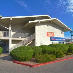 Tucson Convention Center Hotels - Motel 6 Tucson - Congress Street
