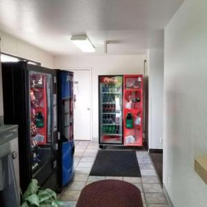 Motel 6 Normal -Bloomington Area