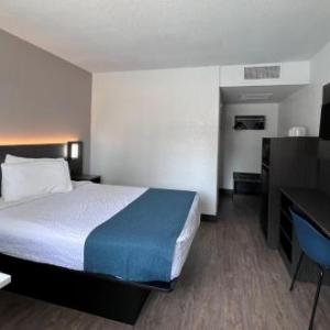 Motel 6-Bakersfield CA - South