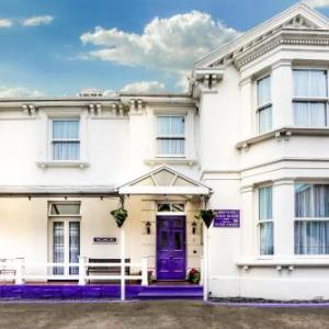 Hotels near West Cliff Theatre Clacton-on-Sea - Brunton House Guest House