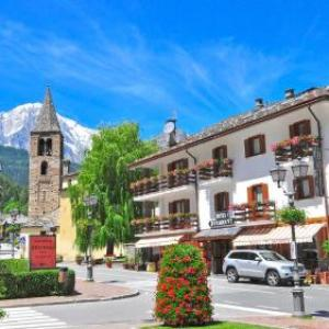 Book Now Hotel Bucaneve (Pre Saint Didier, Italy). Rooms Available for all budgets. Next to the main square of Pré-Saint-Didier Hotel Bucaneve offers discounts at the town's thermal spa. It offers a varied breakfast and cosy rooms with free Wi-Fi and sat