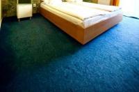 Hotel Torontal Image