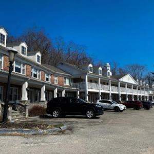 Hotels near Paramount Center for the Arts Peekskill - Inn On The Hudson