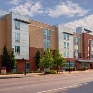 Hotels near Aurora Fox Arts Center - SpringHill Suites Denver at Anschutz Medical Campus