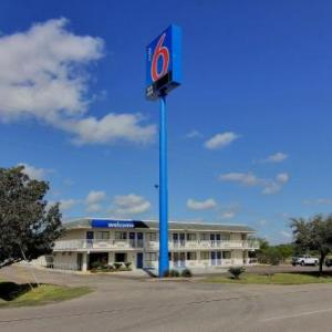 Motel 6-Kingsville TX