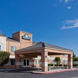 Days Inn By Wyndham Lathrop