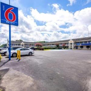 Hotels near Oxford Performing Arts Center - Motel 6-Anniston AL