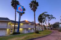 Motel 6 San Diego North Image