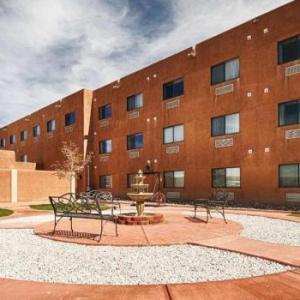 McGee Park Hotels - Best Western Territoral Inn & Suites