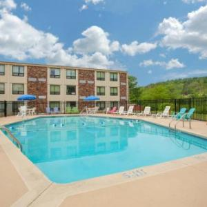 Monticello Motor Club Hotels - Days Inn by Wyndham Liberty