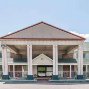 Days Inn by Wyndham Columbus IN