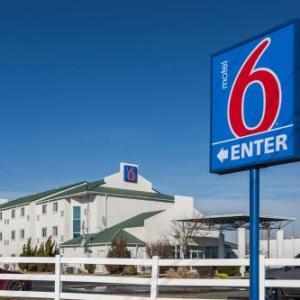 Hotels near Lincoln Amphitheatre - Motel 6-Dale IN