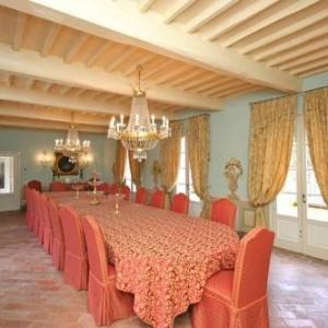 Book Now Villa in Vorno III (Vorno, Italy). Rooms Available for all budgets. Set in Vorno this villa features a terrace and a garden with a seasonal outdoor pool. The air-conditioned unit is 12 km from Pisa. Free WiFi is provided throughout the propert