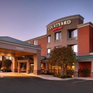 Hotels near The Theatre in the Park Shawnee - Courtyard By Marriott Kansas City Shawnee
