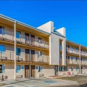 Econo Lodge Charleston East
