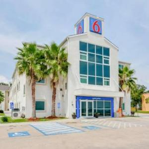 Mississippi Coast Coliseum Hotels - Motel 6 Biloxi -Beach
