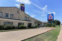 Motel 6 Austin Central - South/University Of Texas Image