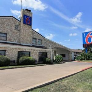 Motel 6 Austin TX - Central Downtown UT