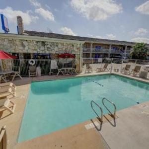 Motel 6-San Antonio TX - Northwest Medical Center