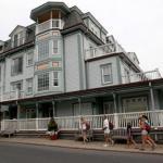 Hotels near Martha's Vineyard Performing Arts Center - Mansion House Inn