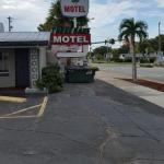 Three Oaks Motel -Titusville