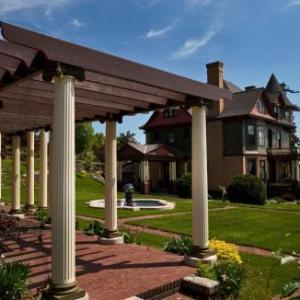 Big Top Chautauqua Hotels - Old Rittenhouse Inn