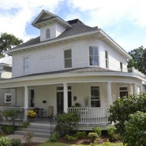 The Guest House At Gulfport Landing- Bed and Breakfast - Adults Only