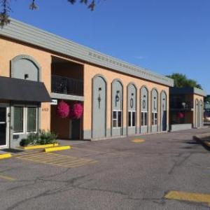 Vernon and District Performing Arts Centre Hotels - Econo Lodge Vernon