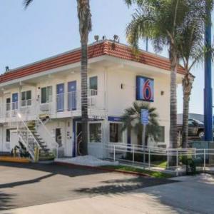 Hotels near Viejas Casino and Resort - Motel 6-La Mesa CA - San Diego