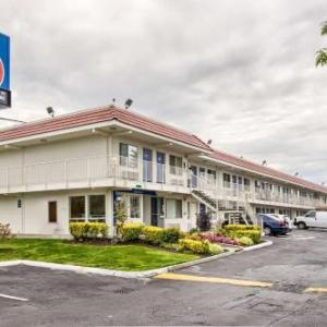 Motel 6 Everett South