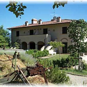 Book Now Apartment in Dicomano II (Dicomano, Italy). Rooms Available for all budgets. Set 26 km from Florence and 34 km from Prato Apartment in Dicomano II offers pet-friendly accommodation in Dicomano. Guests benefit from terrace. Free WiFi is provided through