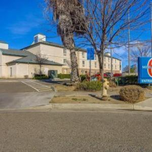Motel 6 Lemoore