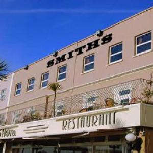 Smiths Hotel