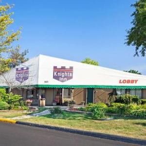 Knights Inn Detroit Area / Sterling Heights