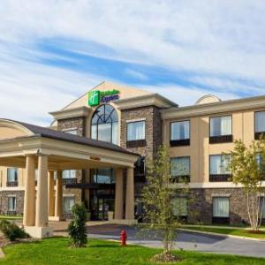 Hotels near Sugar Loaf Performing Arts Center - Holiday Inn Express Hotel & Suites Chester