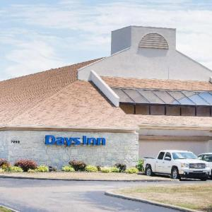 Hotels near Cuyahoga County Fairgrounds - Days Inn by Wyndham Middleburg Heights