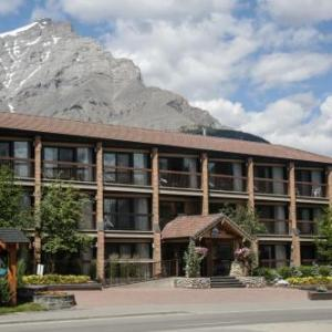 Hotels near Eric Harvie Theatre - High Country Inn