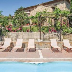 Book Now Bellavista 11 (Montisi, Italy). Rooms Available for all budgets. Located in Montisi in the Tuscany Region this holiday home is 34 km from Siena. The property is 37 km from Arezzo and free private parking is offered.The kitchen is equipped w
