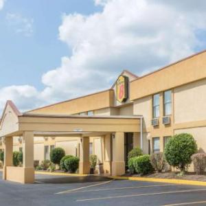 Neyland Stadium Hotels - Super 8 by Wyndham Knoxville Downtown Area