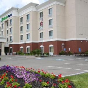 Hotels near Cortland Country Music Park - Holiday Inn Express - Cortland