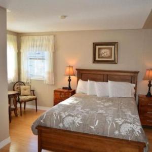 Hotels near Jackson-Triggs Amphitheatre - Arnica Bed & Breakfast
