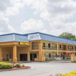 Hotels near Gwinnett Place Mall - Super 8 by Wyndham Norcross/I-85 Atlanta