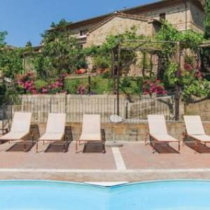 Book Now Apartment Murlo 13 with Outdoor Swimmingpool (Montisi, Italy). Rooms Available for all budgets. Apartment Murlo 13 with Outdoor Swimmingpool is a holiday home with an outdoor pool situated in Montisi. The property is 34 km from Siena and free private parking is provided.