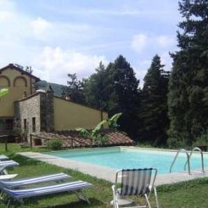 Book Now Apartment In Pescaglia Iii (Pescaglia, Italy). Rooms Available for all budgets. Set in Pescaglia this apartment features a seasonal outdoor pool. Guests benefit from terrace. Free WiFi is provided throughout the property.The kitchen comes with an oven a f