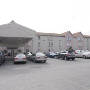 Hotels near Christ Universal Temple - Knights Inn Calumet Park