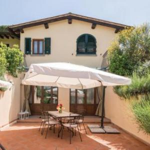Book Now Holiday home Dicomano *XXVI * (Dicomano, Italy). Rooms Available for all budgets. Holiday home Dicomano *XXVI * is a holiday home situated in Dicomano 26 km from Florence. The unit is 35 km from Prato. Free WiFi is available throughout the property and free