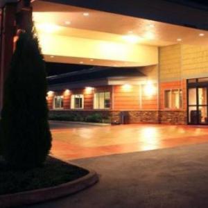 Hotels near Summit At Snoqualmie - Best Western Snowcap Lodge