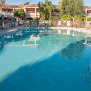 Yuma County Fairgrounds Hotels - La Fuente Inn & Suites
