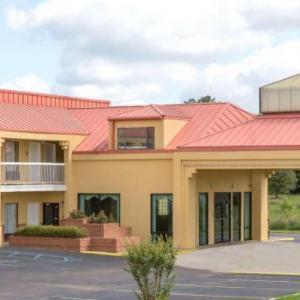 Super 8 Motel - Madison/Ridgeland Area